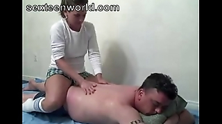 Amateur MILF massage and fuck- bomcams.com