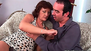 Grandma fro hairy pussy sucks his pussy creamed cock